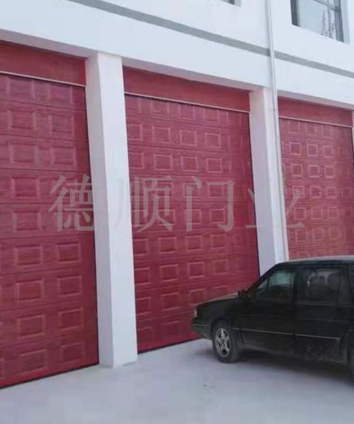 消防車庫門